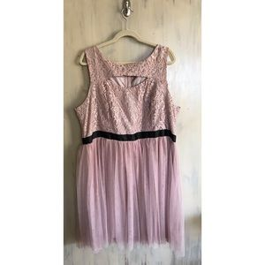 Dresses & Skirts - Women's Plus Formal Dress